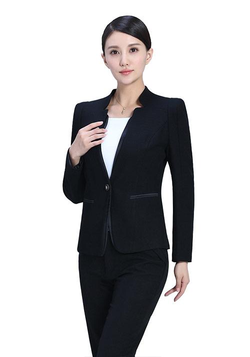 时尚职业装女性