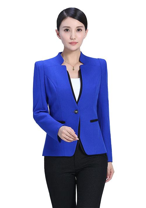 蓝色休闲时尚西服